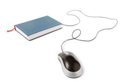 Obrazek przedstawiający książkę i myszkę, symbolizujące materiały szkoleniowe.